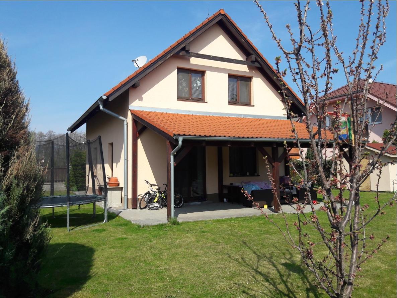 Dom, 4 - izbový, 116m2, Chorvátsky Grob, Čierna voda - Hornodvorská ulica