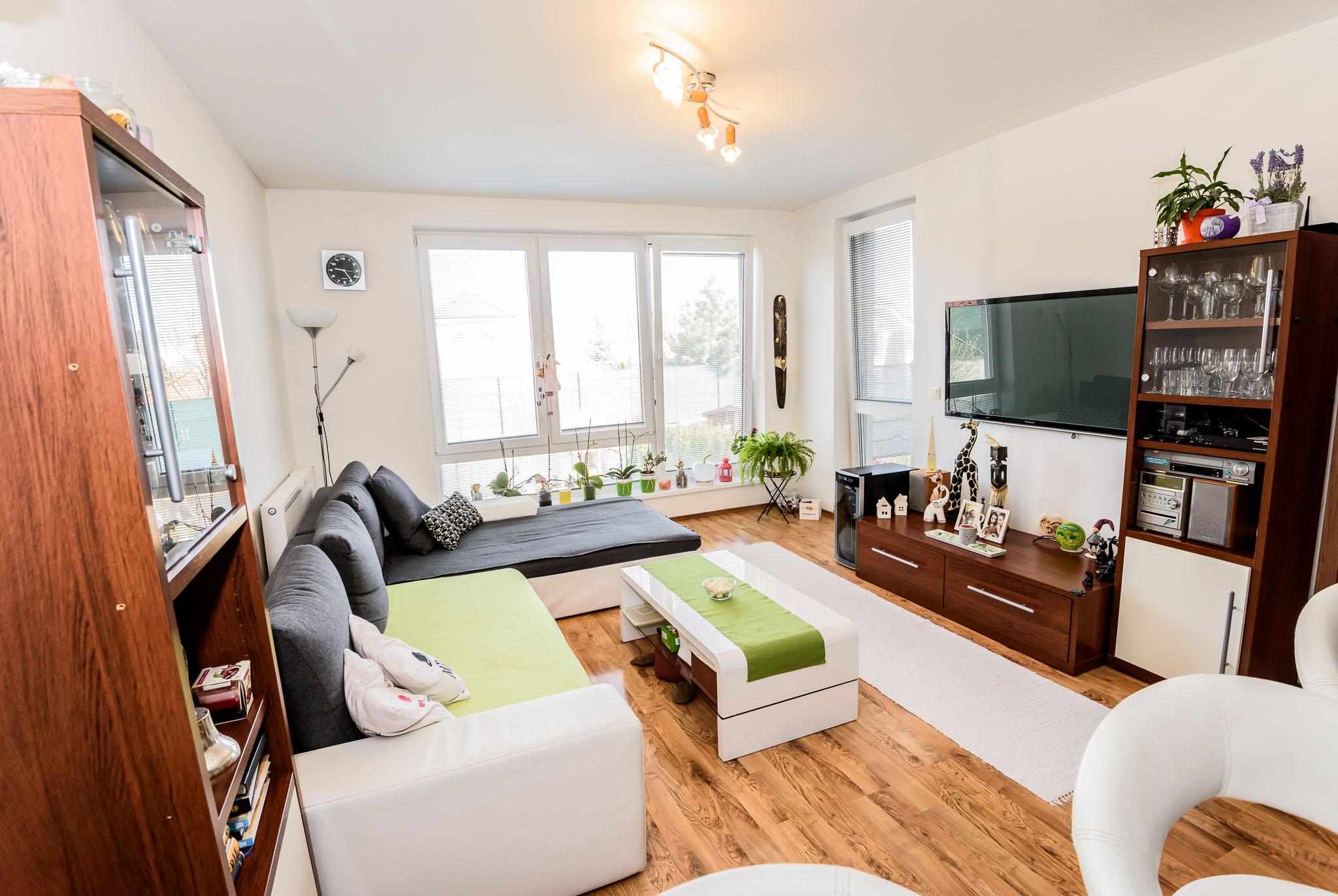 Byt , 4- izbový , 79 m2 , Rovinka , Kvetná ulica